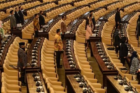 Formappi: Usul Pembubaran Komisi VII DPR Berlebihan, Sudah Lapar Baru Kritis? (2)