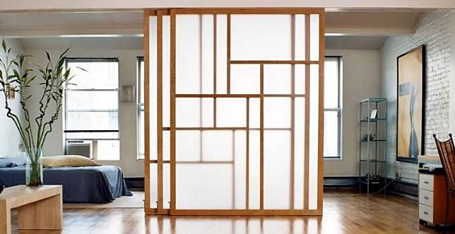 6 Jenis Pintu Geser Yang Bisa Buat Rumah Terlihat Luas Dekoruma Com Line Today