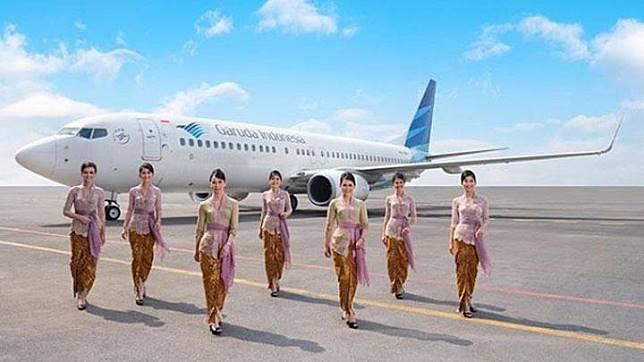 Kebaya rancangan Anne Avantie untuk maskapai penerbangan nasional Garuda Indonesia. Instagram/@anneavantieheart/Fotografer: Dewandra Djelantik