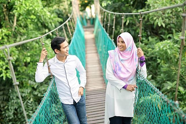Viral Kisah Cinta Guru Dan Murid Asal Malaysia Yang Berakhir Di