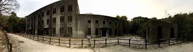 <p><b>造訪工廠廢墟和大久島博物館</b></p>