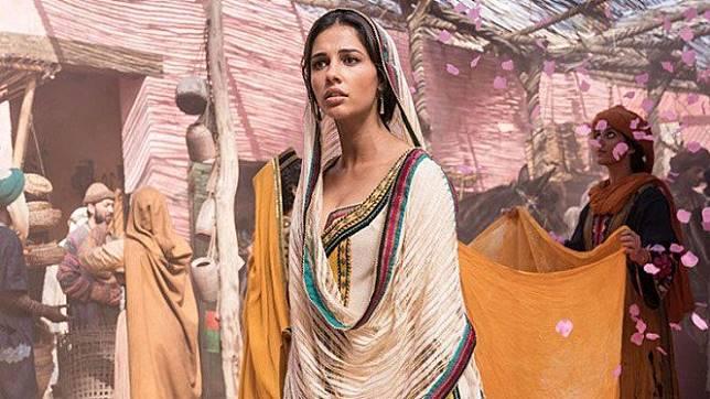 4 Fakta Pemeran Putri Jasmine di Aladdin, Ternyata Istri Pesepak Bola