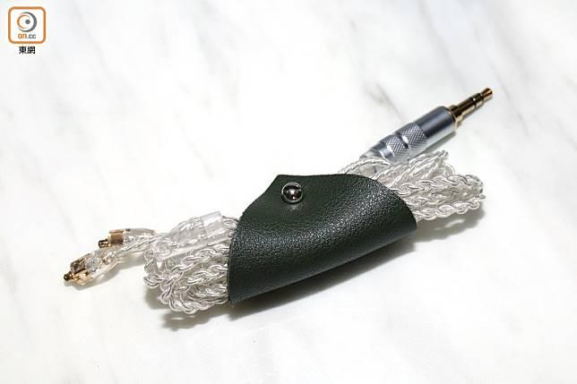 採用PW Audio的專屬耳機線Zero,屬單晶銅鍍銀,更令高音人聲清晰度大增。(蔡浩文攝)