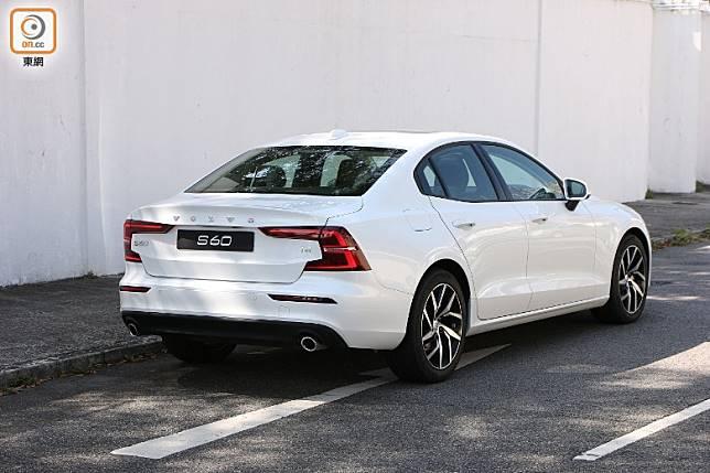 受惠於全新SPA可變比例模組式底盤,車長較前款增126mm,軸距增96mm。 (盧展程攝)