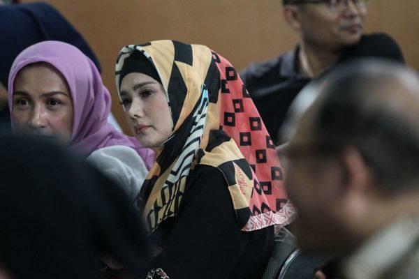 Calon anggota legislatif dari Partai Gerindra, Mulan Jameela
