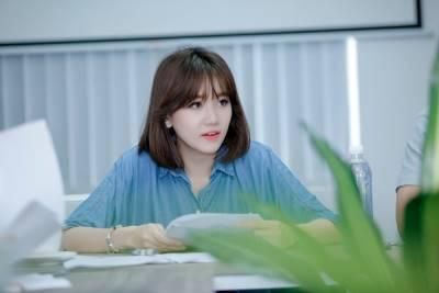 """Phái nữ sau 30 muốn trẻ đẹp thì nên """"dắt"""" túi mẹo giống Hariwon hơn là phẫu thuật thẩm mỹ"""