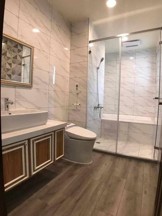 二樓前浴室