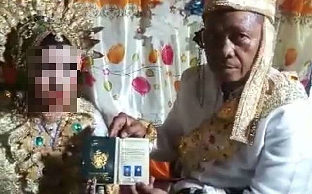 41 y.o. widower weds 13 y.o. girl in South Sulawesi 3 months after meeting on Facebook, family says marriage wasn't forced