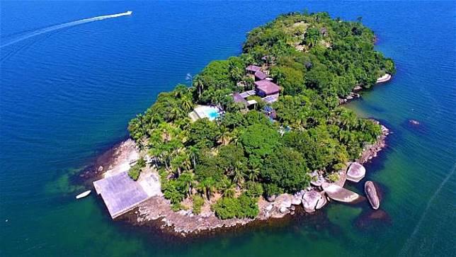 Pulau yang Mungkin Tak Ingin Kamu Beli