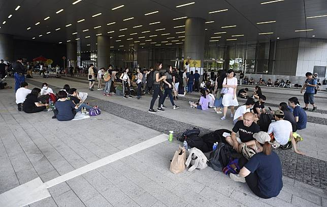 有示威者要求政府撤回《逃犯條例》修訂草案。