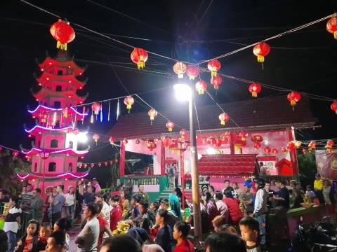 Melihat Perayaan Imlek di Klenteng Kuan Ti Sintang, Kalbar