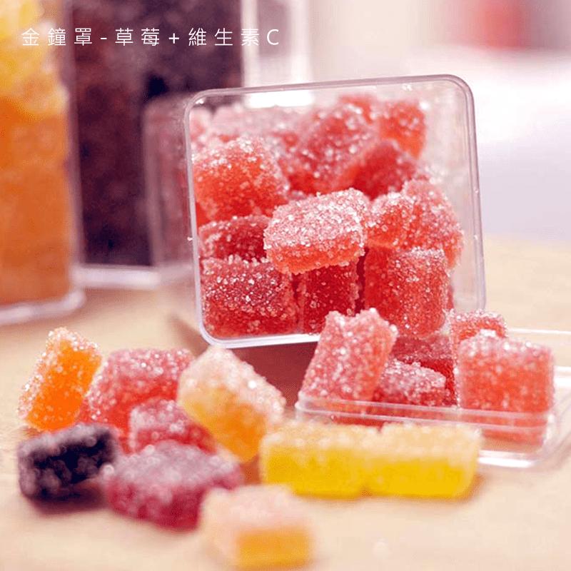 團購美食Sweet365法式軟糖系列,嚴選天然水果製作而成,甜而不膩、不黏牙,可細細品嚐到果香、果甜相互交融的美味,搭配咖啡、茶飲一同享用,滿足你的味蕾。桑葚+鳳梨酵素、草莓+維生素C、苦瓜、紅蘿蔔4