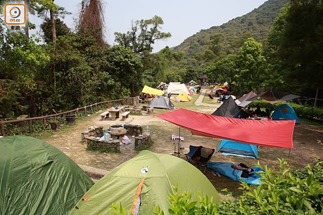 本月中不少人到鶴藪營地紮營。