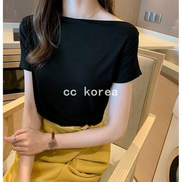 時尚一字領立體剪裁上衣 CC KOREA ~ Q23707