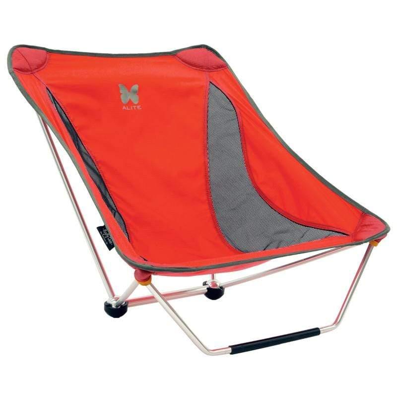 適合在崎嶇不平的地面上使用,但需要雙腳來協助平衡。 產品介紹 超級輕量、容易組裝、豐富的設計感、讓您喜歡上戶外,這些都是Alite輕便椅想帶給您的全新感受,設計師的造型椅放置在家中也很與眾不同,出門時
