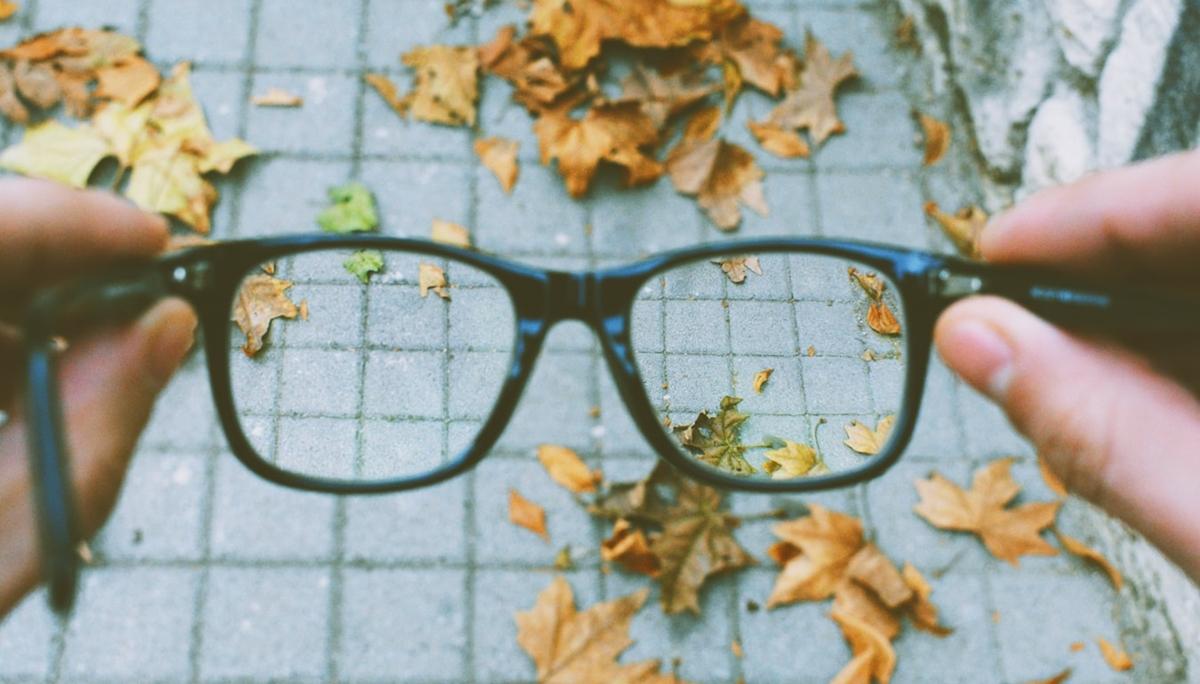 ไขข้อสงสัย สายตายาว เกิดจากอะไร? – อาการที่พบบ่อยในผู้ที่สายตายาว