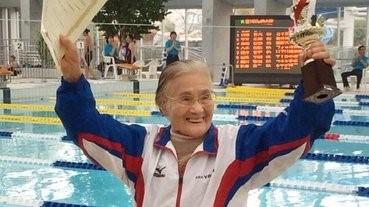 日本百歲老人游1500米創世界紀錄