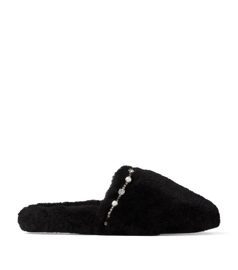 The softest and cosiest pair of shoes you could ever own, the Jimmy Choo Aliette slippers are irresi