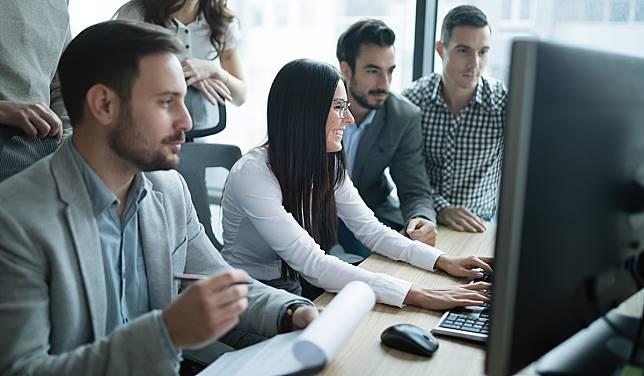 7 Cara Menyesuaikan Diri dengan Tim Kerja Baru
