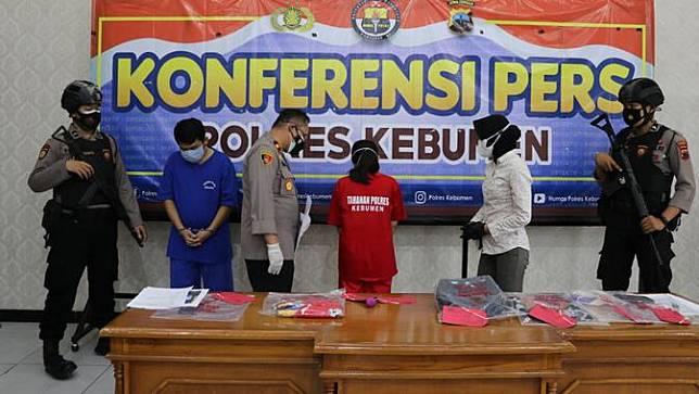 Kasus pembunuhan bayi berlatar hubungan terlarang pria beristri dan wanita rekan kerjanya, di Kebumen. (Foto: Liputan6.com/Humas Polres Kebumen)