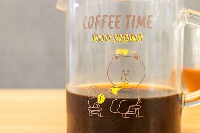 杯上的熊大和SALLY也在嘆咖啡,好relax呀。