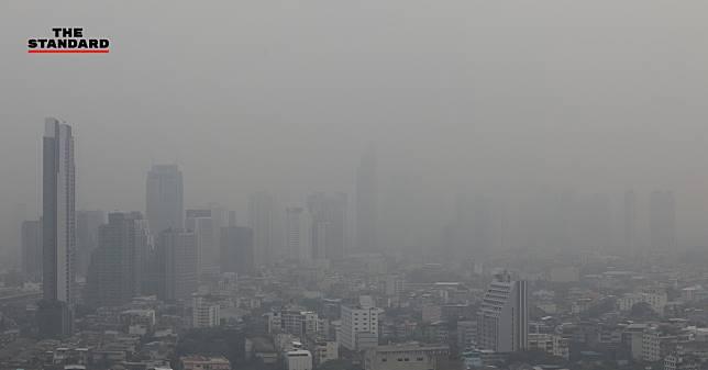 บรรยากาศฝุ่นกลืนเมือง ในวันที่ 'ค่าฝุ่นสูง' ไม่แพ้ตึกบางแห่งในไทย