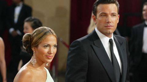 Jennifer Lopez dan Ben Affleck dipastikan sejumlah sumber dekat bahwa mereka tak lebih dari sekadar teman dan tak lagi kembali merajut asmara. (Getty Images via AFP/KEVIN WINTER)