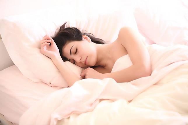 無法入睡?頻頻做夢?睡眠品質及不及格  4大標準快速判定