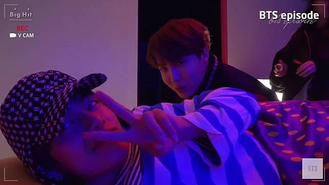 Terungkap Member BTS Misterius yang Muncul di MV J-Hope  Daydream ! fae3caa2f8