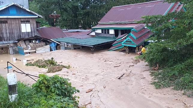 Kondisi banjir bandang di Luwu Utara. (Foto: iNews/Nasruddin).