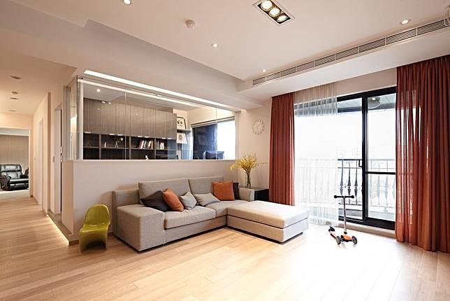 3. 舒敞明亮的客廳