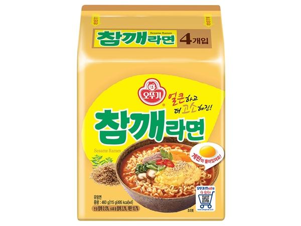 韓國不倒翁~芝麻拉麵(115gx4包入)【D526201】泡麵/進口/團購,還有更多的日韓美妝、海外保養品、零食都在小三美日,現在購買立即出貨給您。