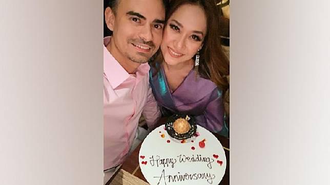 Ashraf Sinclair dan Bunga Citra Lestari saat merayakan 11 tahun pernikahan pada 8 November 2019. Instagram.com/@bclsinclair