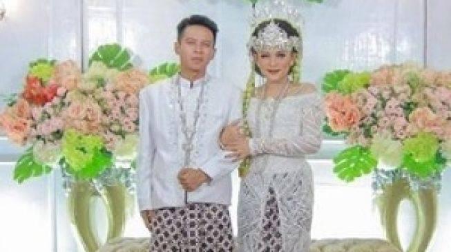 Putri Jamila Bikin Geger Nikahi Cowok Mirip Ariel NOAH Begini Faktanya