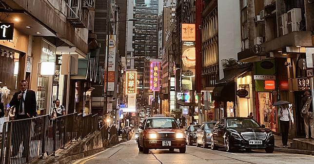 # 編輯序:風雨前,我們去了一趟香港