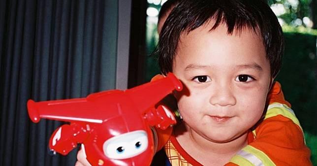 รูปน้องพายุ ลูกชาย ชมพู่ อารยา กลายเป็นไวรัลที่ถูกแชร์ทั่วโซเชียล