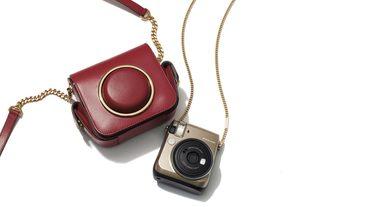 跨界聯名 / Michael Kors x Fujifil 全新拍立得相機 , Scout 復古相機包限量登場