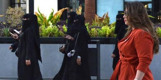 Pakaian Wanita Saudi. ©2019 AFP Photo