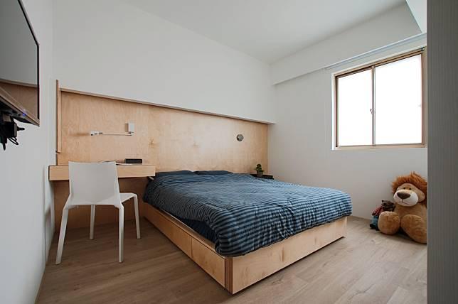 改造後質樸舒適的臥室