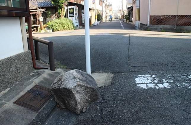 大家去京都旅遊的時候,或許都會現,街角位置會有一些神秘石塊或柱子。(互聯網)