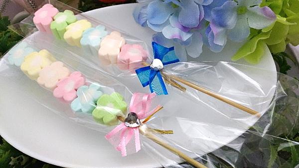 《婚禮小物- 幸福花語棉花糖/100支》n送花筒*1n另有精緻小卡可加購