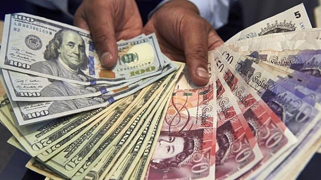 紐約匯市—脫歐協議報喜 英鎊衝8週新高!美元澳幣回落 避險貨幣抬頭