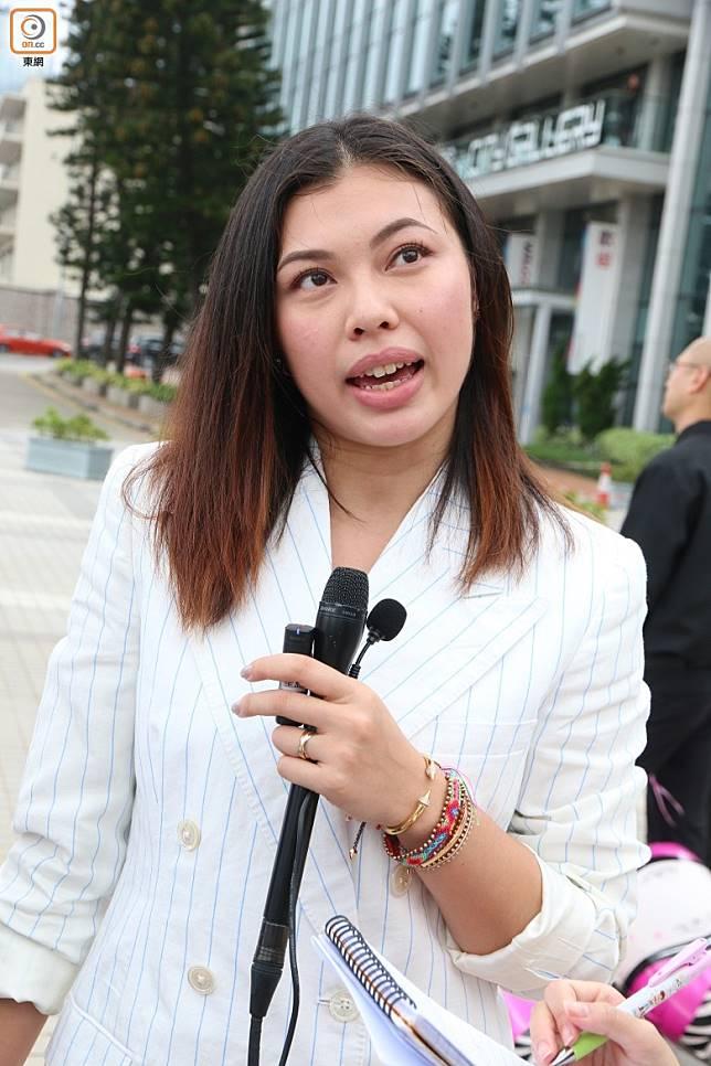 王曼喜表示另一半好支持佢晒性感照。