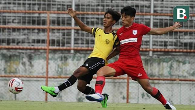 Persipura Jayapura melawan Putra Safin Grup (PSG)