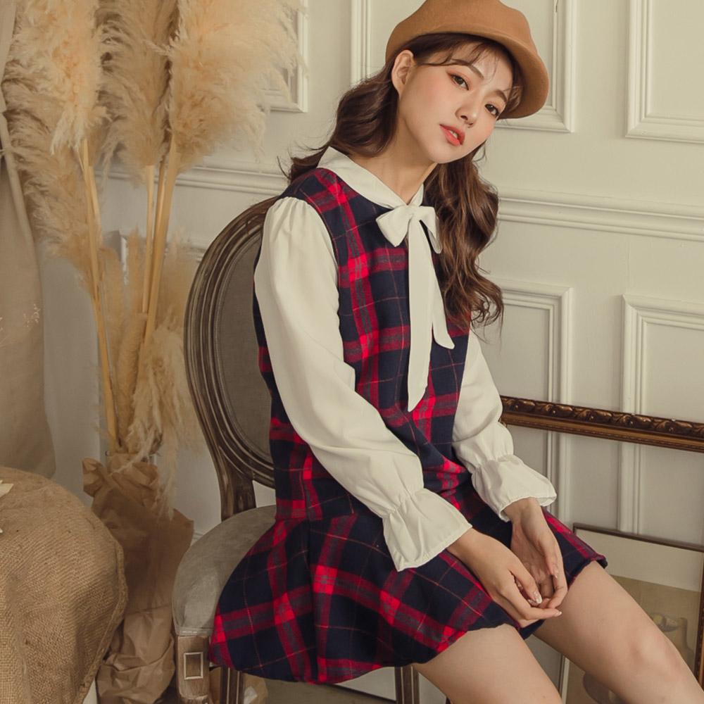 假兩件式長袖洋裝格紋毛呢融合綁帶襯衫袖口彈性束口裙襬加上魚尾設計帶點學院風的好氣質格紋控絕對不能錯過
