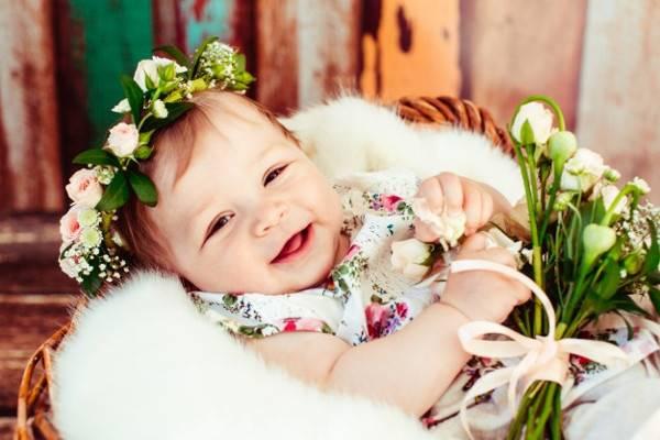 50+ Ide Nama Bayi Perempuan yang Bermakna Berani