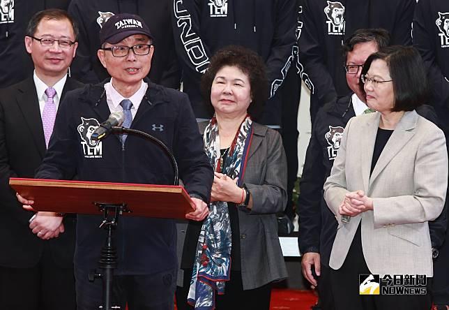 ▲總統蔡英文接見中職冠軍隊Lamigo桃猿隊,Lamigo董事長