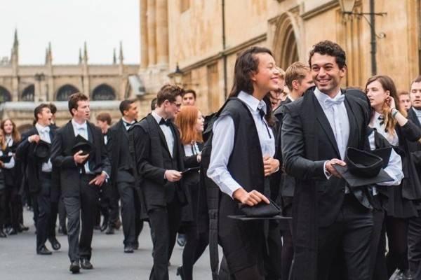 6 Kampus yang Membuka Beasiswa S2 di Inggris