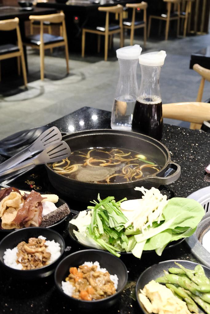 金大鋤壽喜燒火鍋, 小蒙牛集團, 台南吃到飽, 台南壽喜燒, 金大鋤台南