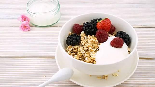 Oat dan Yogurt | pexels.com/@life-of-pix